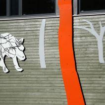 """""""SNÖVIT PRATAR MED FANTOMEN NÄR BATMAN STÖR OCH VARGEN YLAR"""" 2011"""